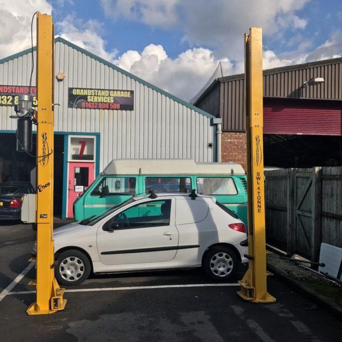 Bradbury H2403HG 4 Tonne 2 Post Lift